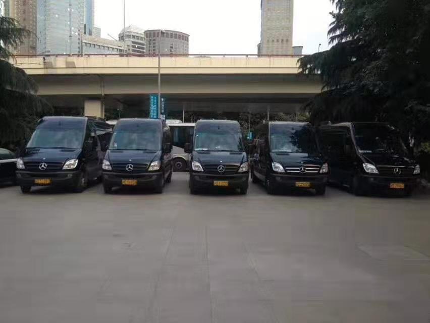 公司年会选择商务租车非常重要